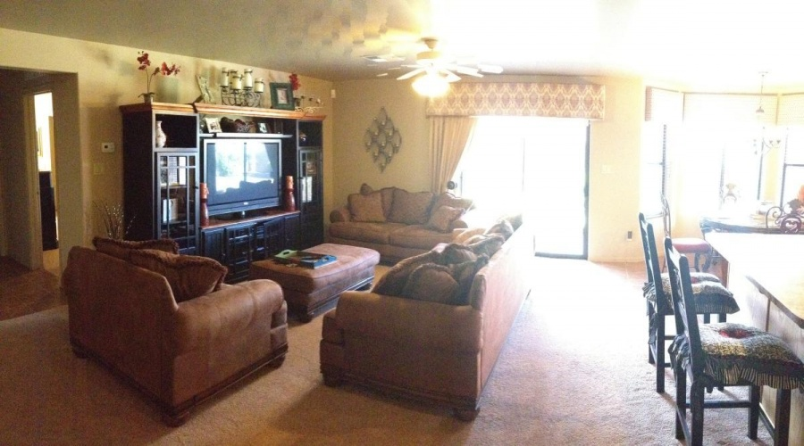 Single Family Home For Rent ,3 Bedrooms ,2 Bathrooms