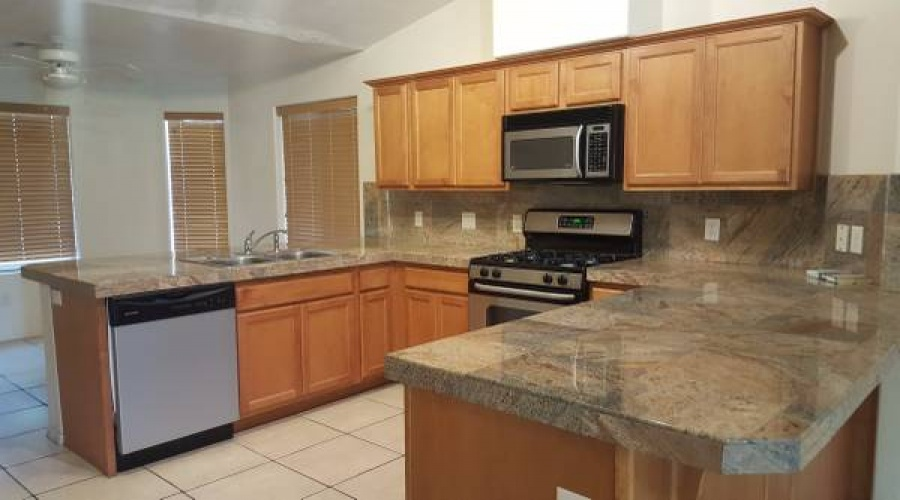 Properties yuma rental homes for Kitchen cabinets yuma az